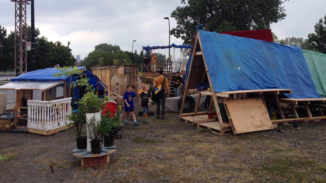 Le festival international d'architecture Bellastock fait la promotion de la réutilisation des matériaux.