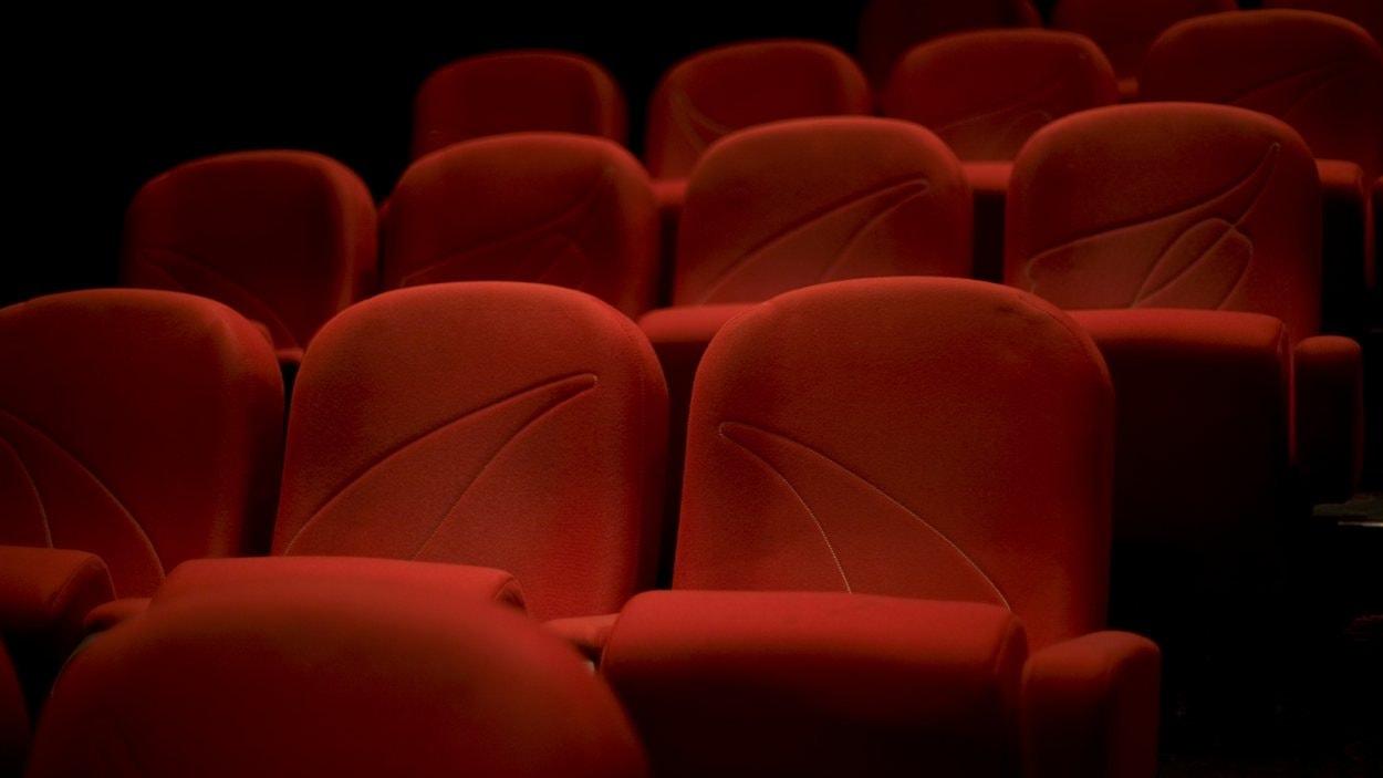 Les Québécois se détournent des salles de cinéma.