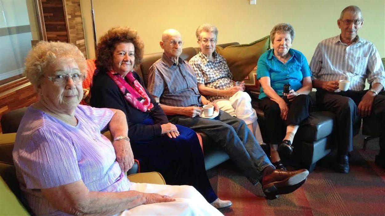 Un groupe d'aînés de la résidence Le Royal