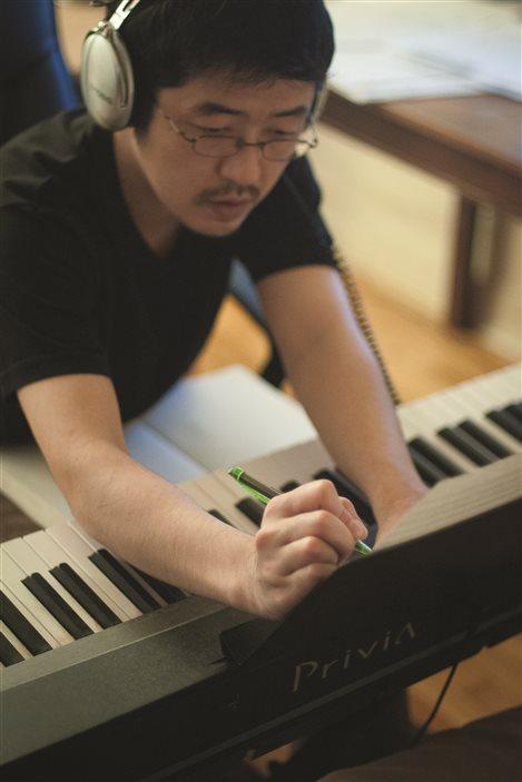 Le compositeur montréalais d'origine japonaise Kota Nakamura.