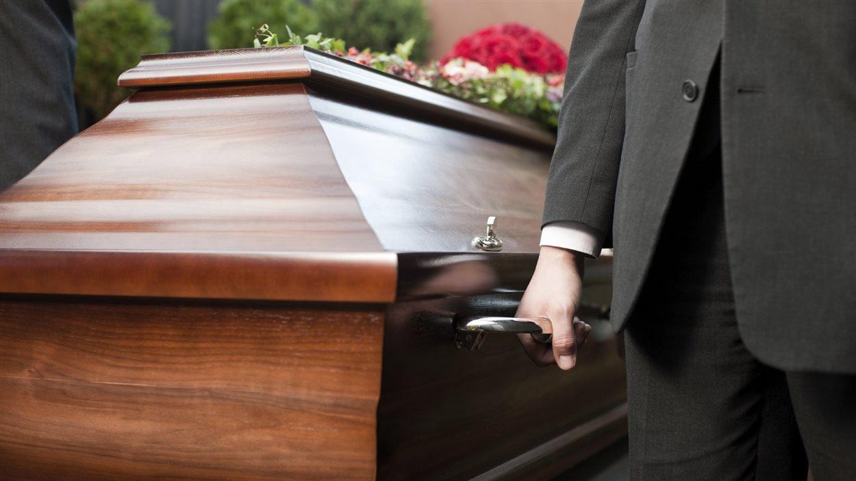 Au Québec, on dénombre environ 60 000 décès par année.