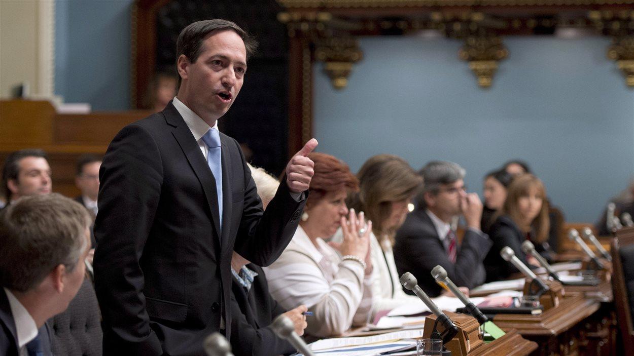 Le chef de l'opposition, Stéphane Bédard, questionne le gouvernement de Philippe Couillard à l'occasion de la rentrée parlementaire à Québec le 16 septembre 2014.