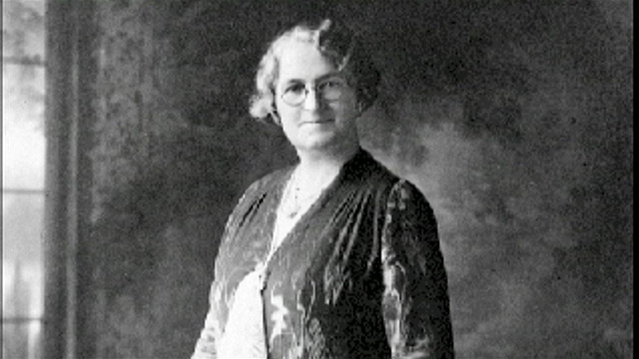 Nellie McClung fut l'une des «Célèbres cinq».