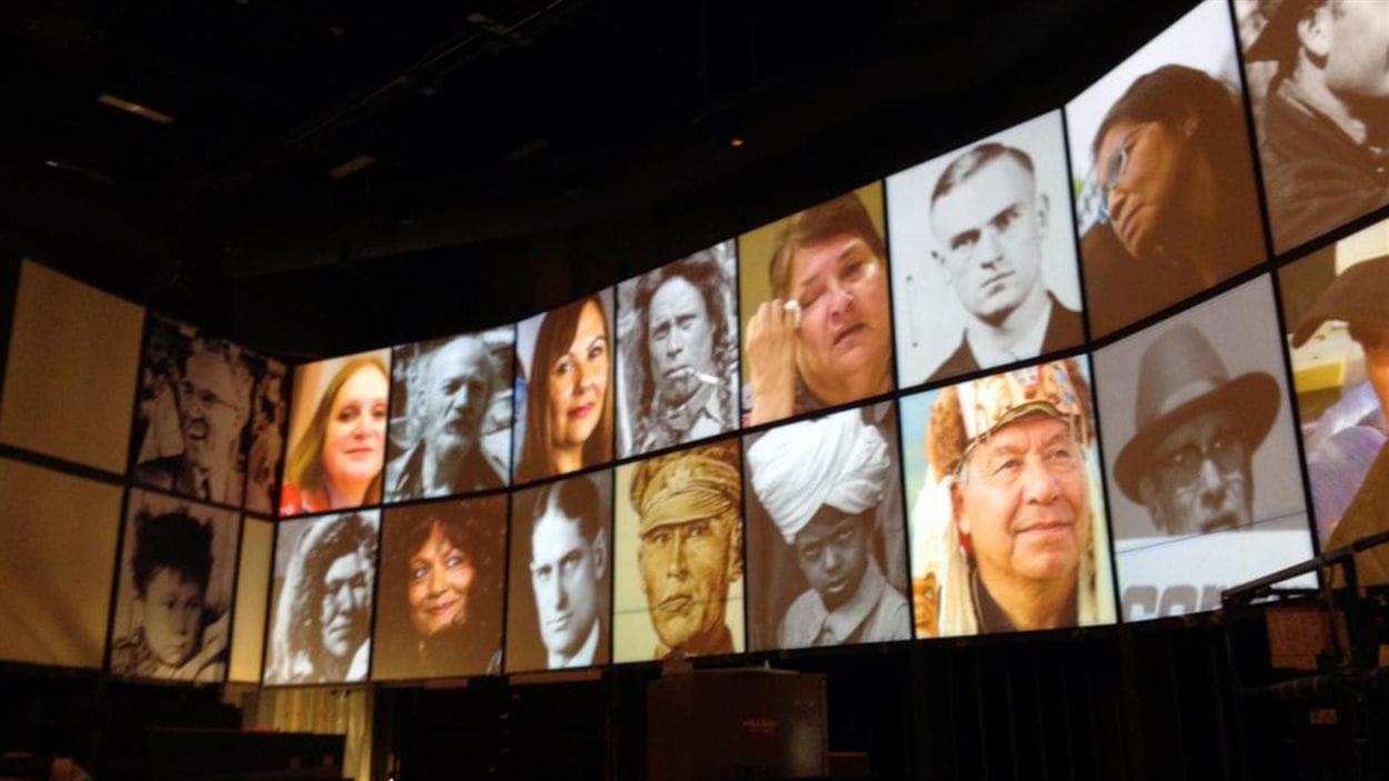 Un montage photo à l'intérieur du Musée canadien pour les droits de la personne qui illustre des personnes qui ont eu un impact sur les droits humains.
