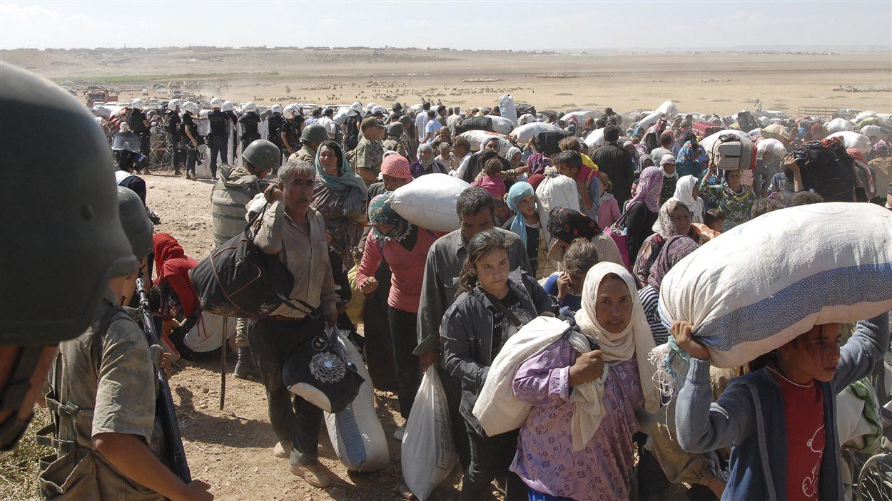 Des milliers de Kurdes de Syrie sont passés en Turquie au cours des dernières 24 heures.