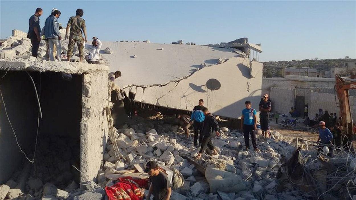 Village Kfar Derian en Syrie bombardé par les États-Unis
