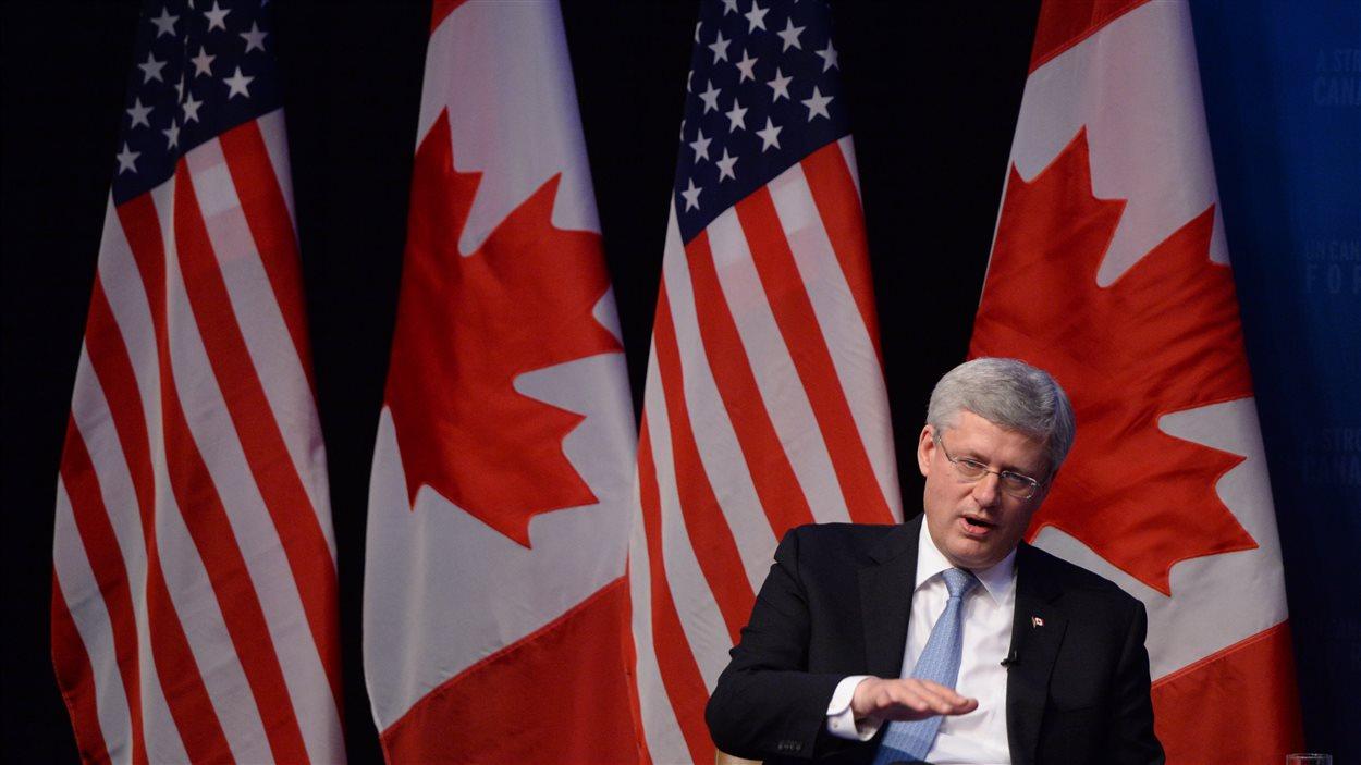 Le premier ministre Stephen Harper participait à New York à une séance de questions-réponses en compagnie de l'éditeur du Wall Street Journal, à l'intention d'un auditoire composé de personnes du milieu des affaires.