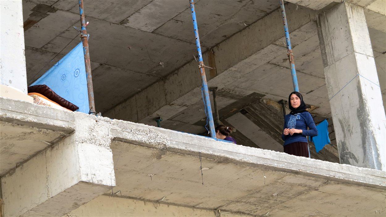 Des centaines de filles restent prisonnières du groupe armé État islamique. Leurs proches, sans nouvelles, sont rongés par l'inquiétude.