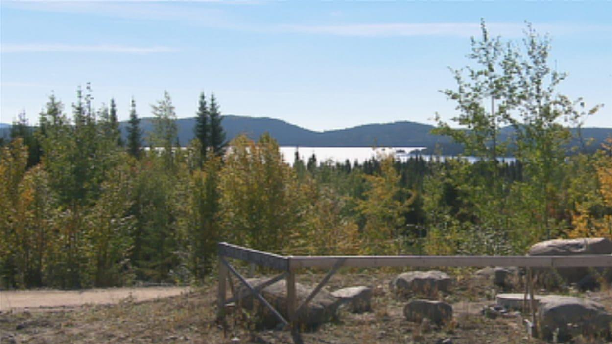 Le lac à Paul, vu du site projeté de la mine d'apatite d'Arianne Phosphate