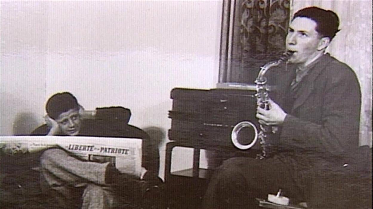 La fanfare du Collège Mathieu était une des activités remarquables [dans les années 1960], selon Robert Carignan. Les heures de répétition n'étaient pas nécessairement au goût de tous, si on en croit cette photo d'archives.