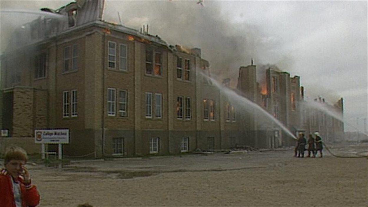 Un incendie a décimé le Collège Mathieu de Gravelbourg en 1988.