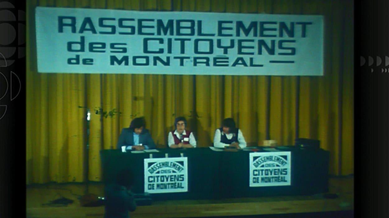 Congrès de fondation du Rassemblement des citoyens de Montréal, en 1974.