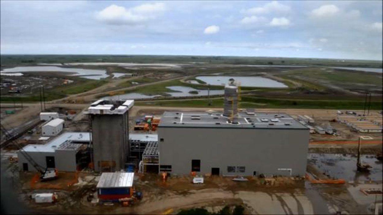 L'usine de captage de carbone à Estevan prend forme au fil des mois.