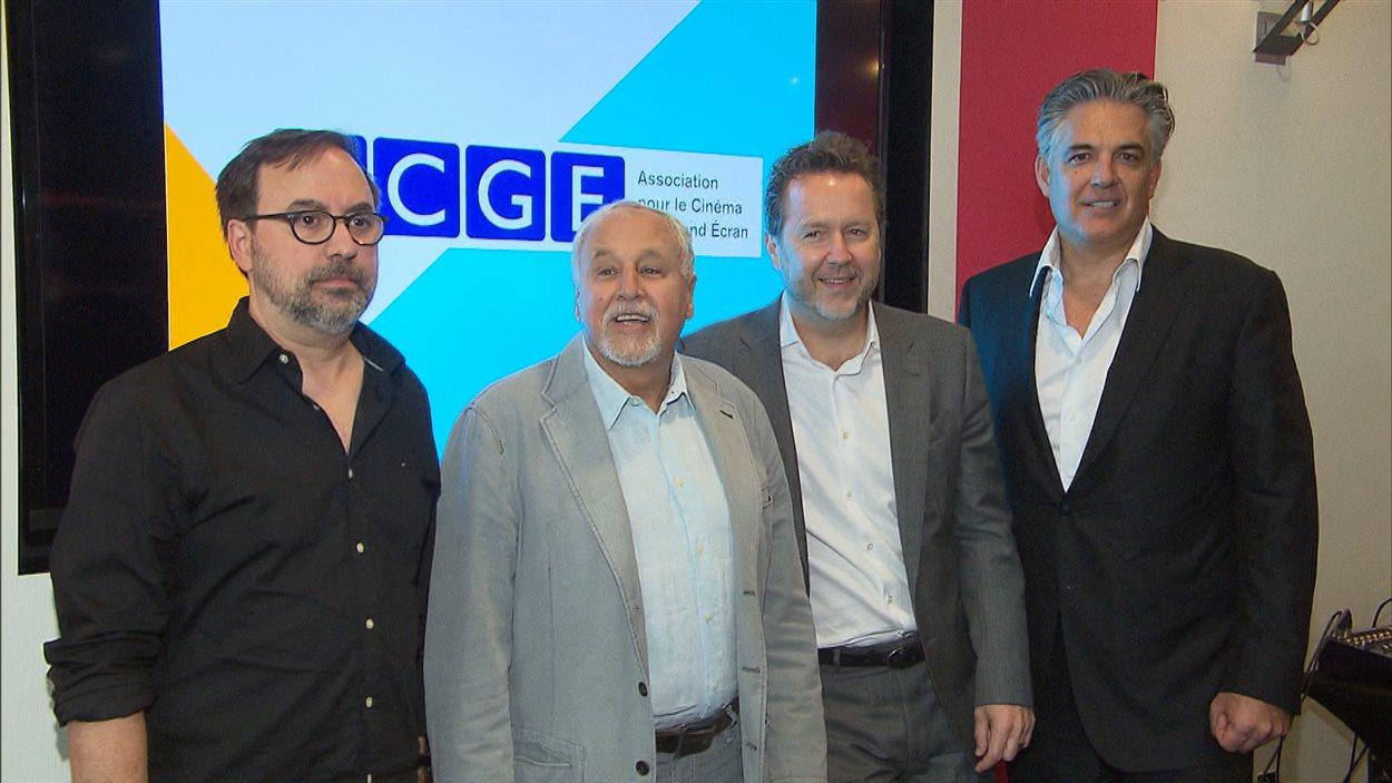 Le réalisateur Sylvain Guy, François Macerola, Patrick Roy, président des Films Séville et Raffaele Papalia, président de Cinémas Ciné Entreprise