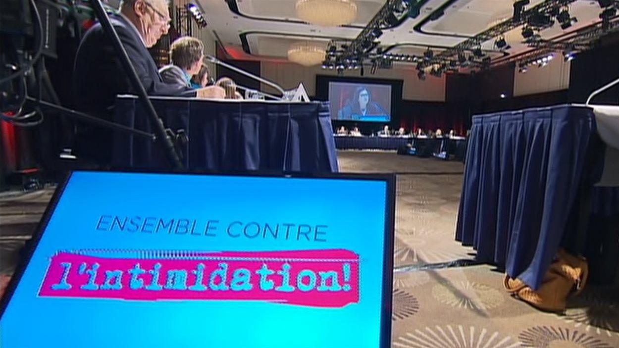"""Forum contre l'""""intimidation"""