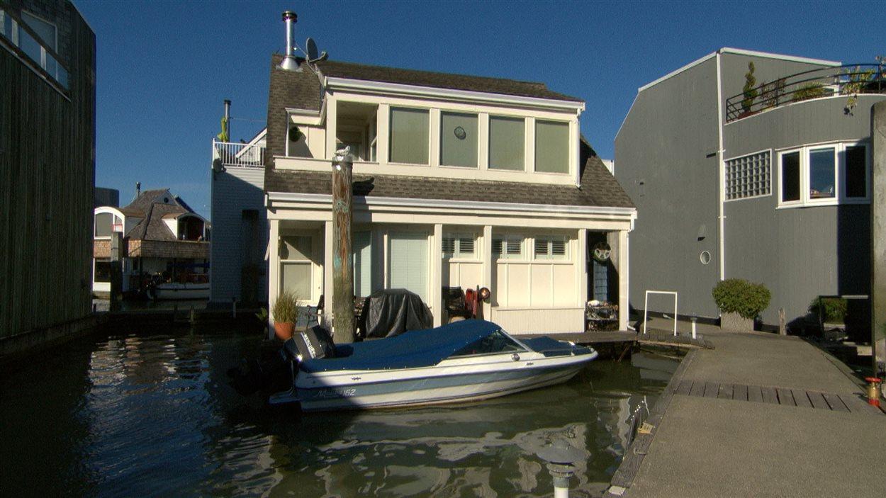 Maison flottante.