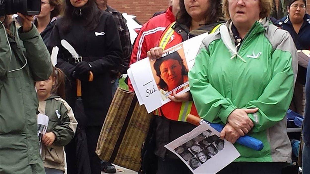 Vigile à Val-d'Or pour les femmes autochtones disparues ou assassinées.