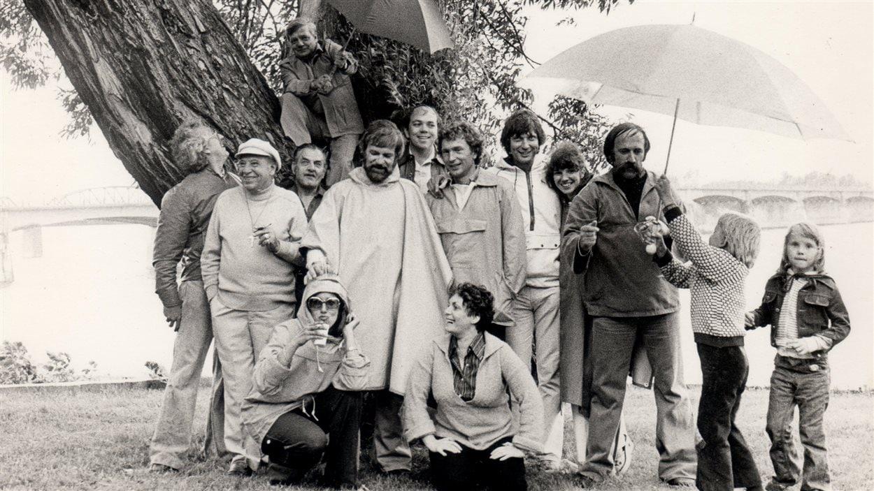 Francine Grimaldi en compagnie de toute l'équipe de CBF Bonjour