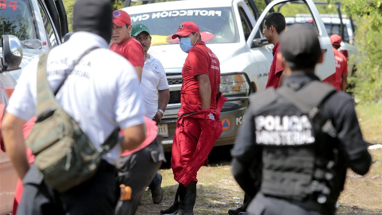 Découverte de corps dans une fosse commune d'Iguala, au Mexique.