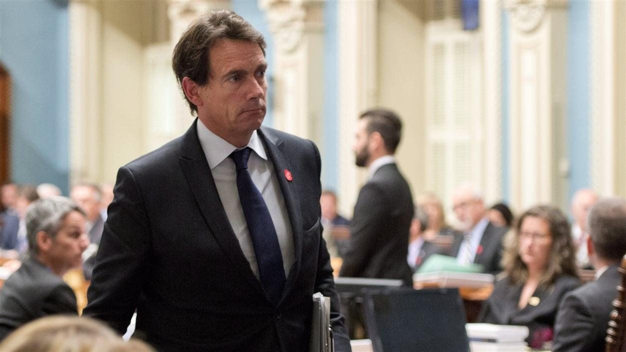 Le député péquiste de Saint-Jérôme, Pierre Karl Péladeau, a quitté l'Assemblée nationale avant la tenue du vote.