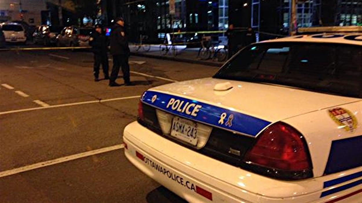 La police d'Ottawa a levé le périmètre de sécurité au centre-ville vers 20h30.