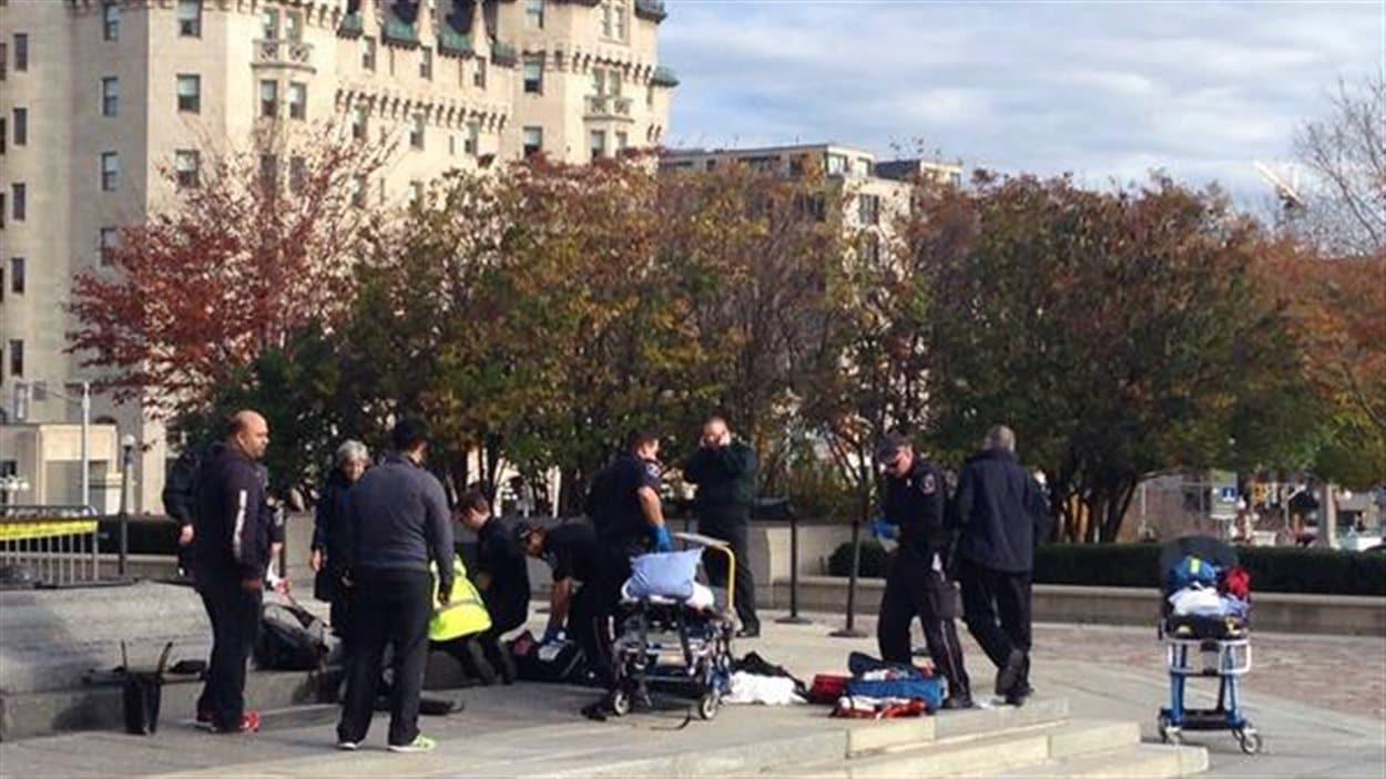 Un soldat a été blessé près du parlement d'Ottawa.