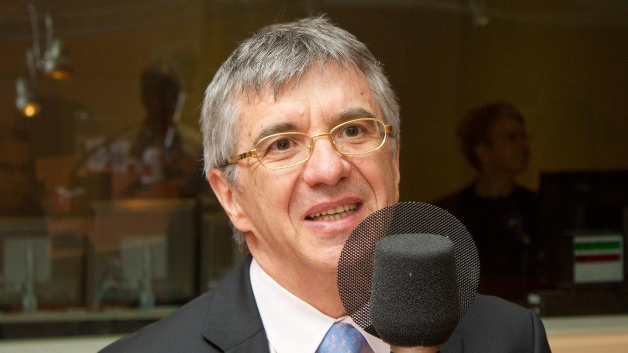 L'auteur et directeur du laboratoire de médecine moléculaire à l'Université du Québec à Montréal, Richard Béliveau