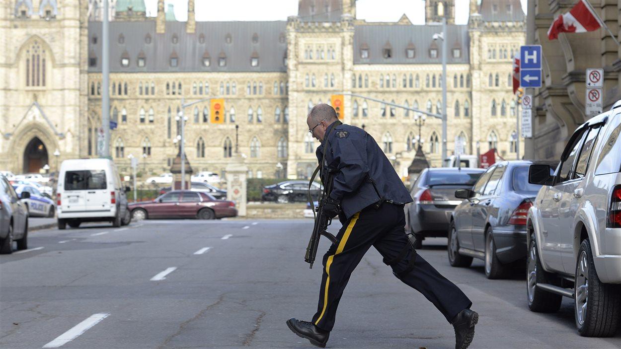 La GRC est déployée sur un grand périmètre de sécurité à Ottawa.