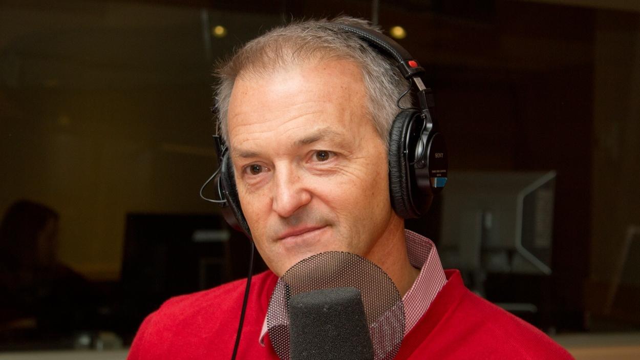 L'analyste hockey Dany Dubé