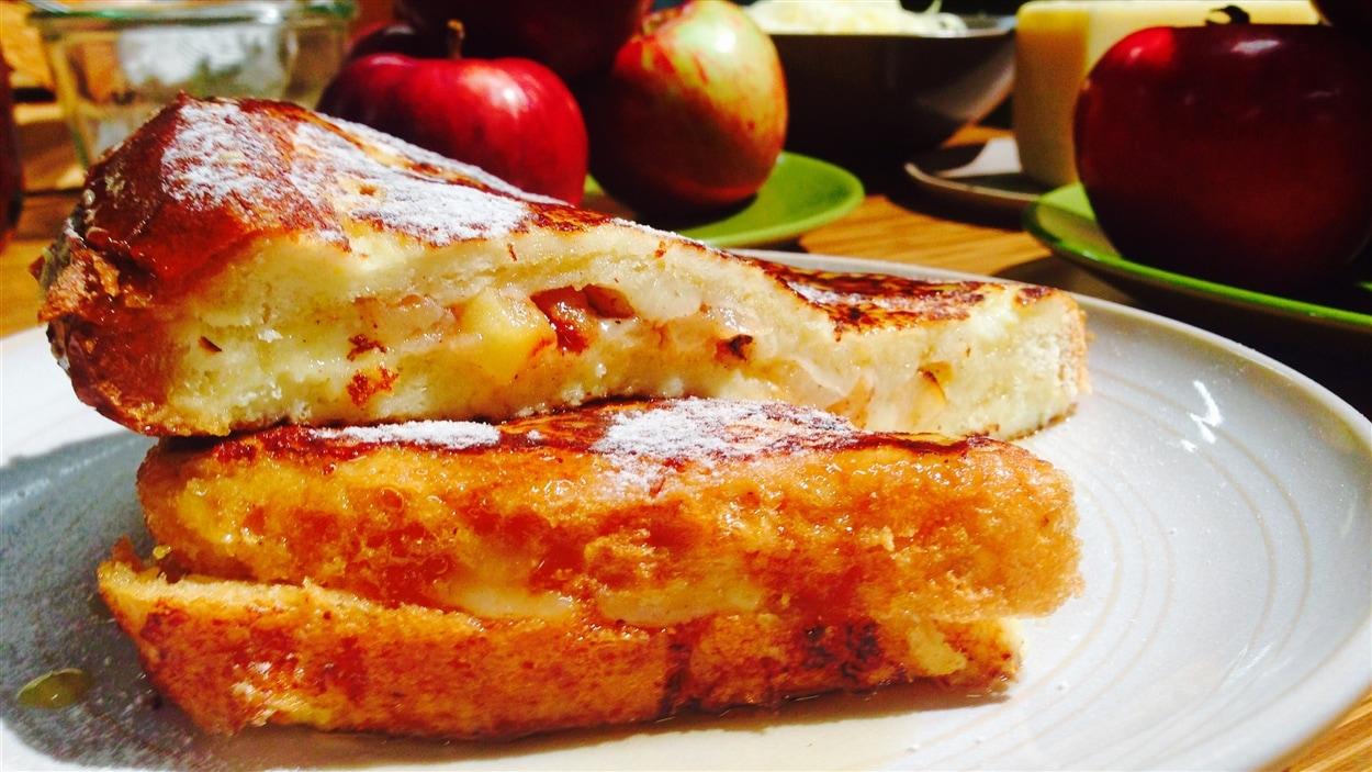 Pains dorés pommes et cheddar