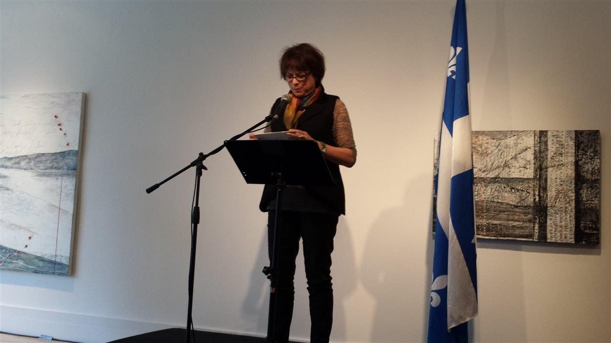 La ministre de la Culture et des Communications, Hélène David à l'Écart...Lieu d'art actuel.