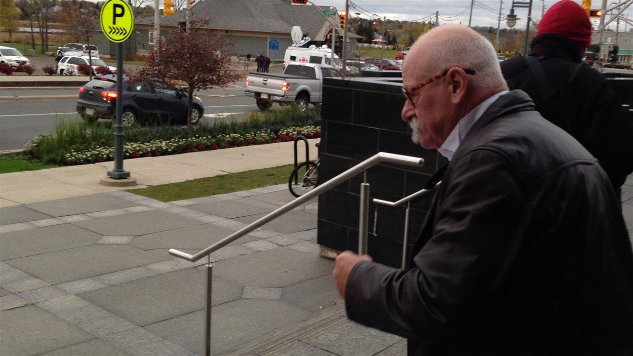 L'avocat de Justin Bourque, Me David Lutz, à sa sortie du palais de justice.