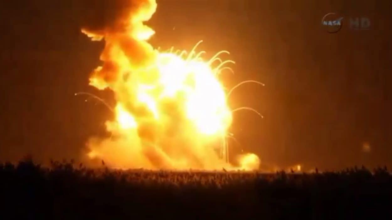 Explosion de la fusée Antares