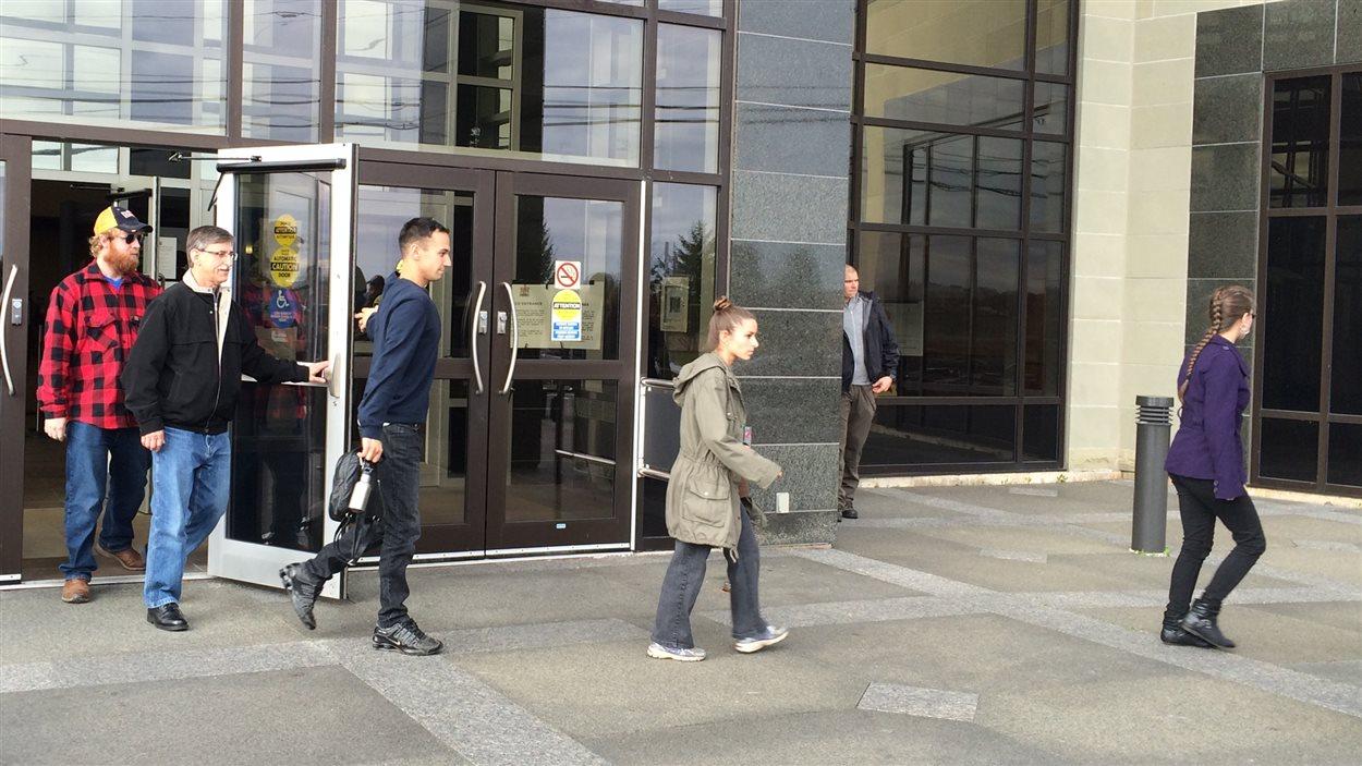 La famille de Justin Bourque n'a pas fait de commentaires à la sortie du palais de justice de Moncton.