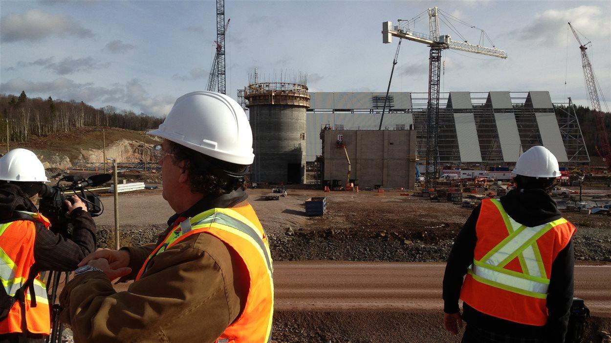 Le chantier de la cimenterie à Port-Daniel-Gascons