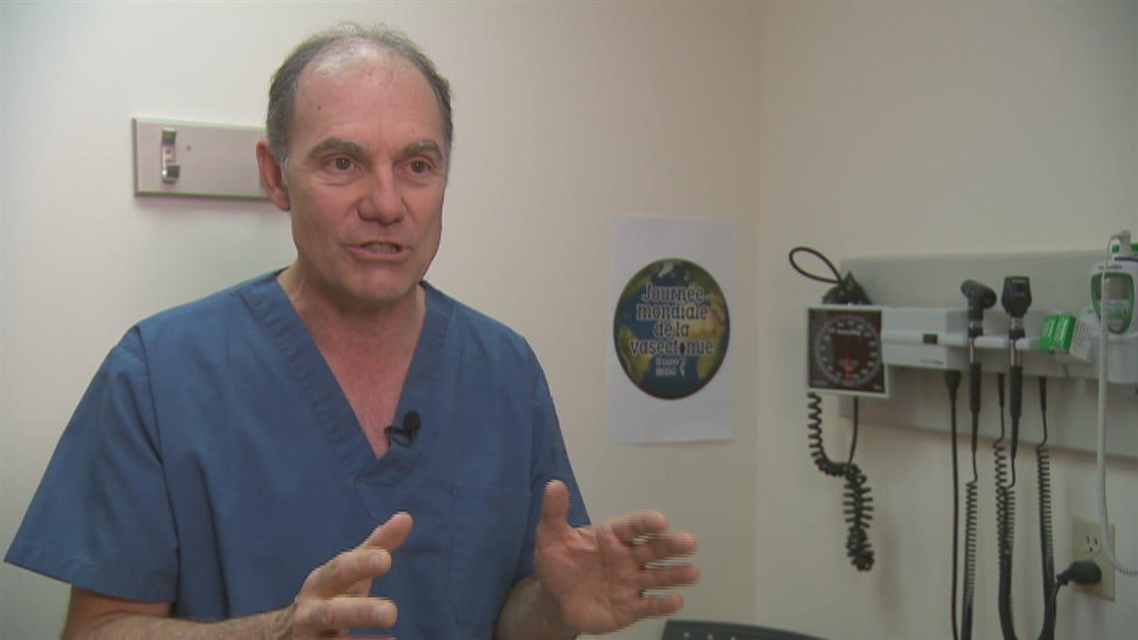 Le Dr Michel Labrecque est spécialiste de la vasectomie.