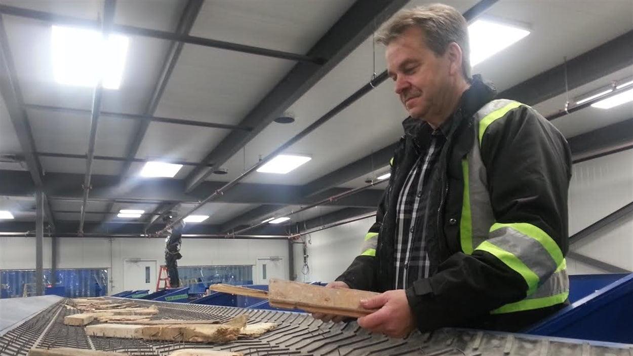 Le centre de tri permet de récupérer le bois.