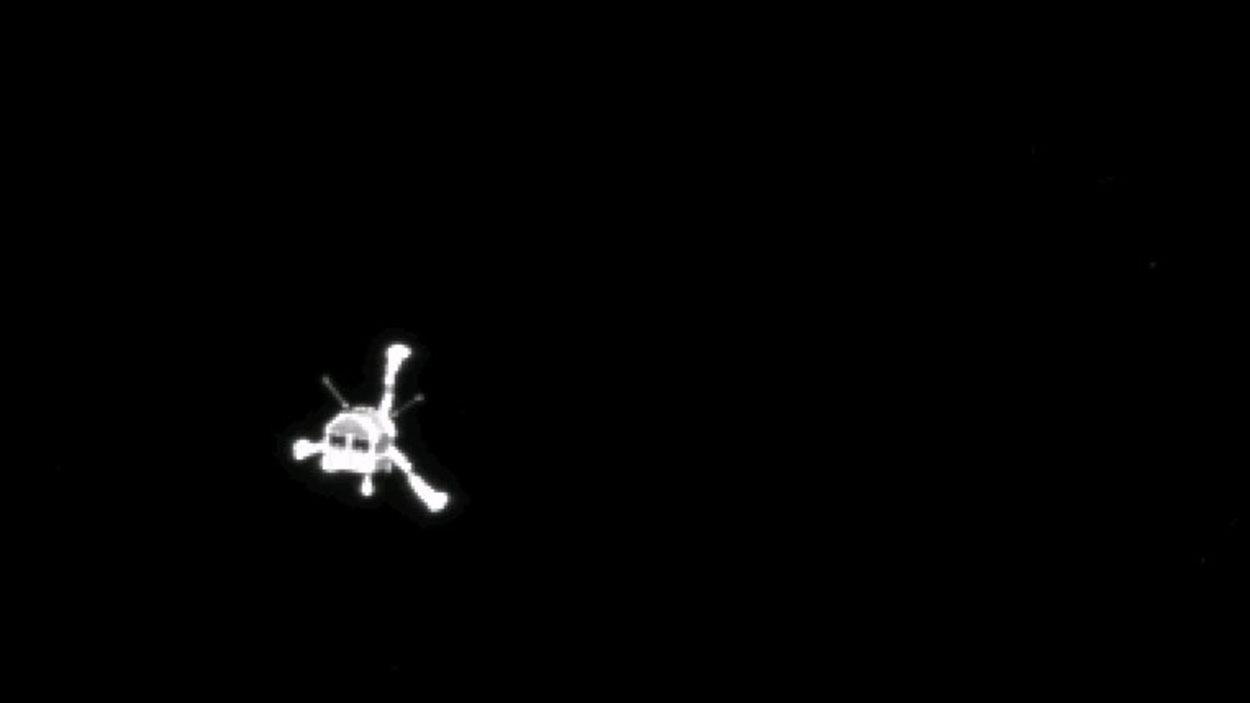 Le robot Philae amorçant sa descente de 7 heures vers la surface de la comète.
