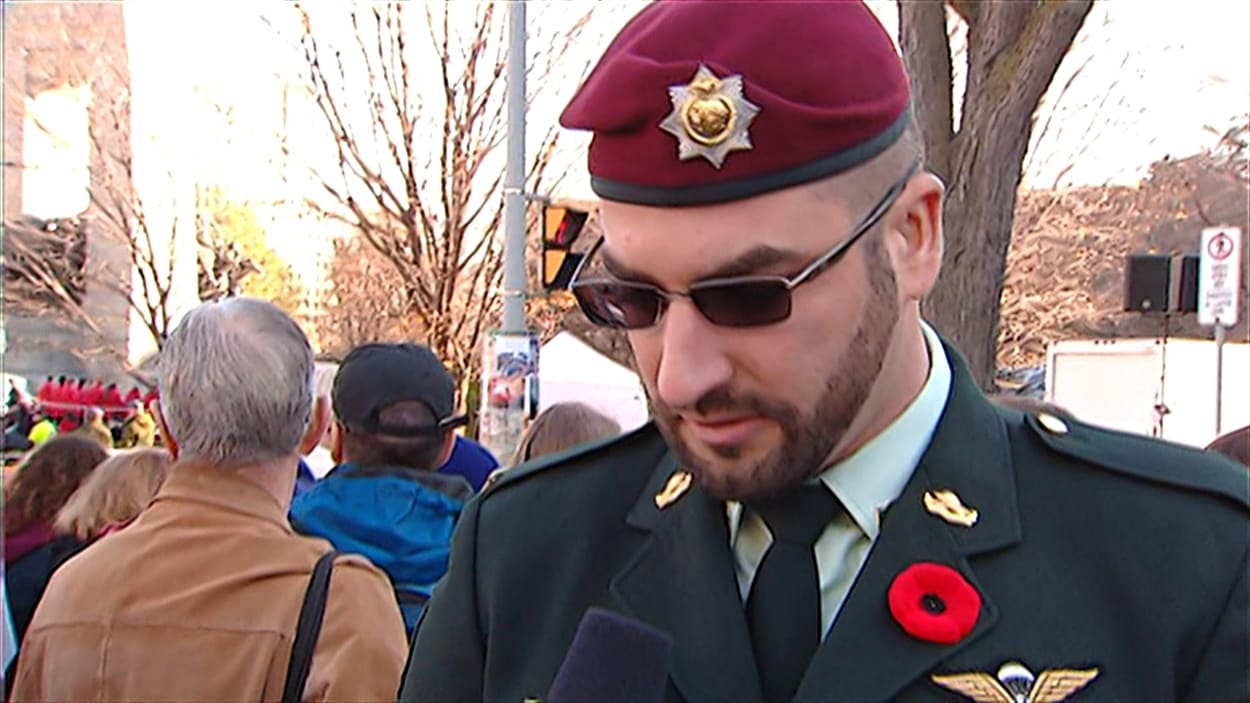 Le ministère de la Défense nationale affirme que Franck Gervais, qui a accordé une entrevue à CBC lors des célébrations du jour du Souvenir, n'est pas un membre des Forces canadiennes.