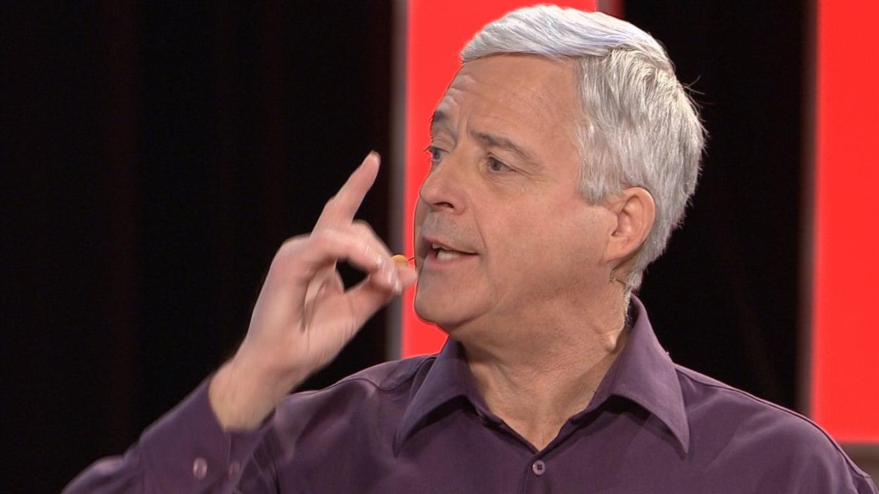 L'animateur de l'émission Découverte, Charles Tisseyre