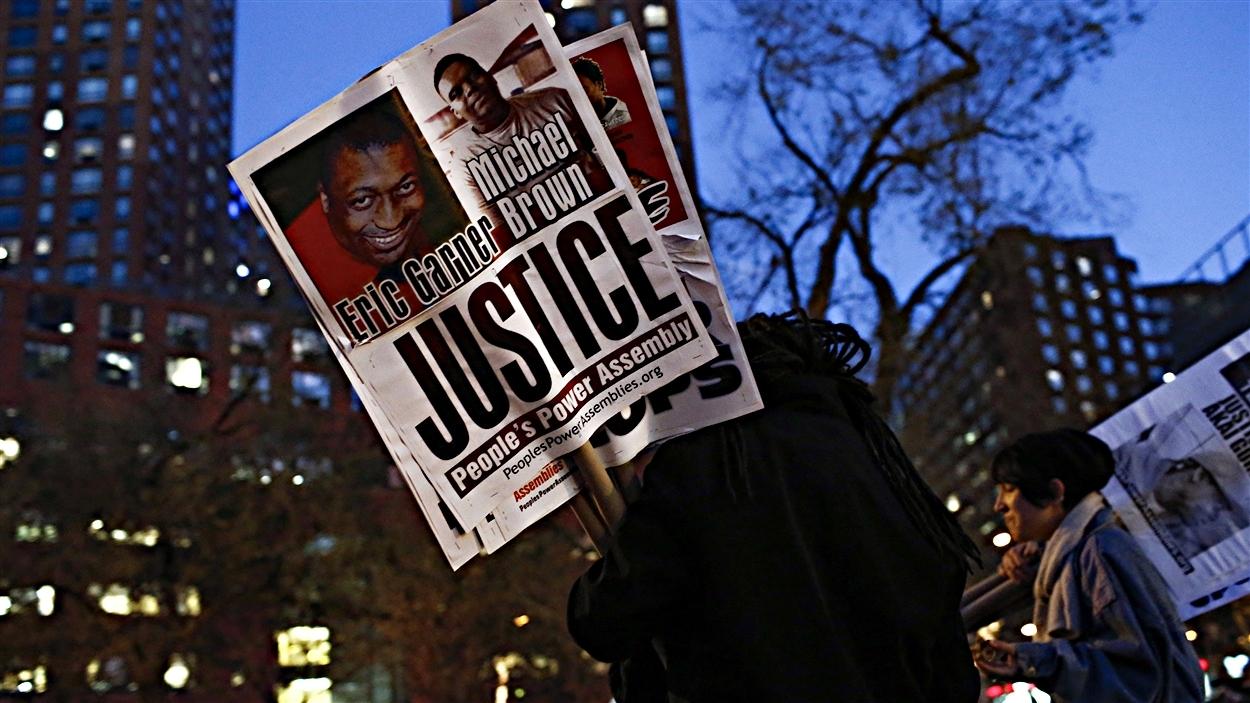 Des manifestants à Ferguson