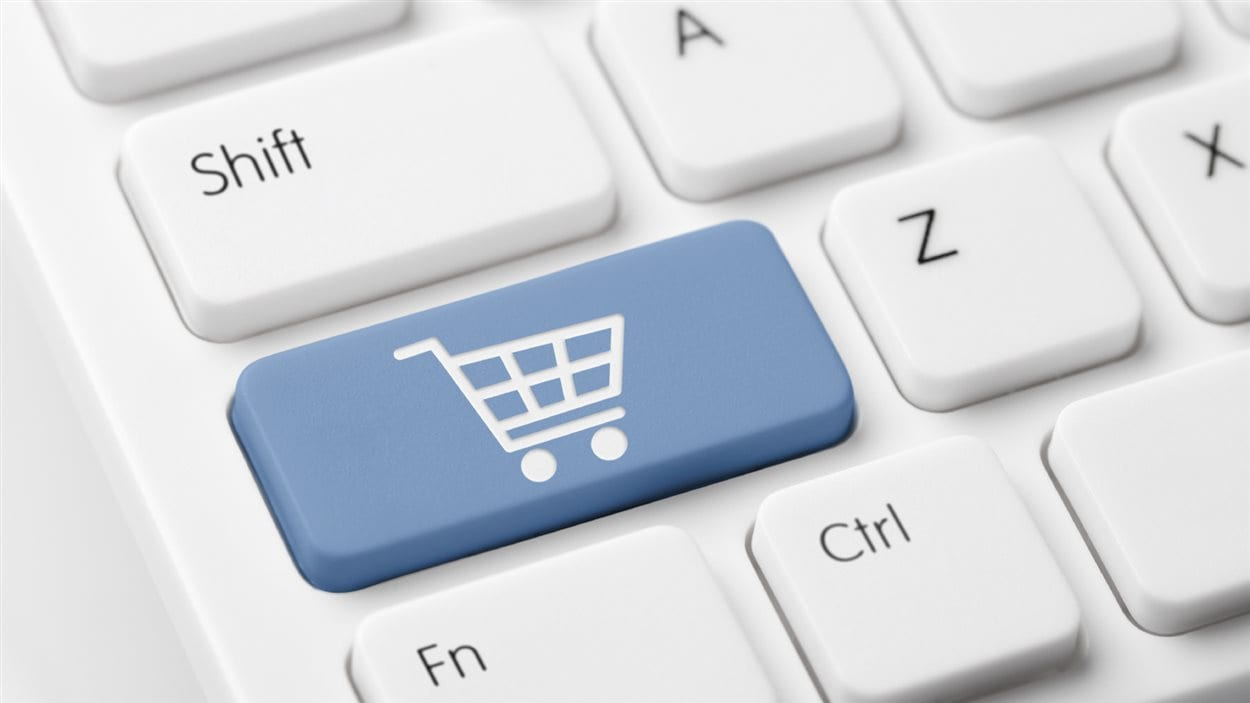 De plus en plus de Canadiens font leur magasinage des Fêtes en ligne.