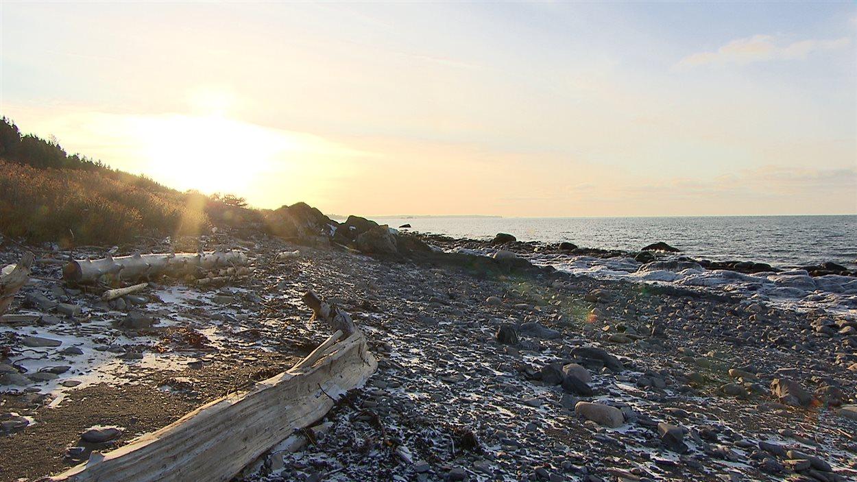 Rive du fleuve Saint-Laurent, à Baie-des-Sables