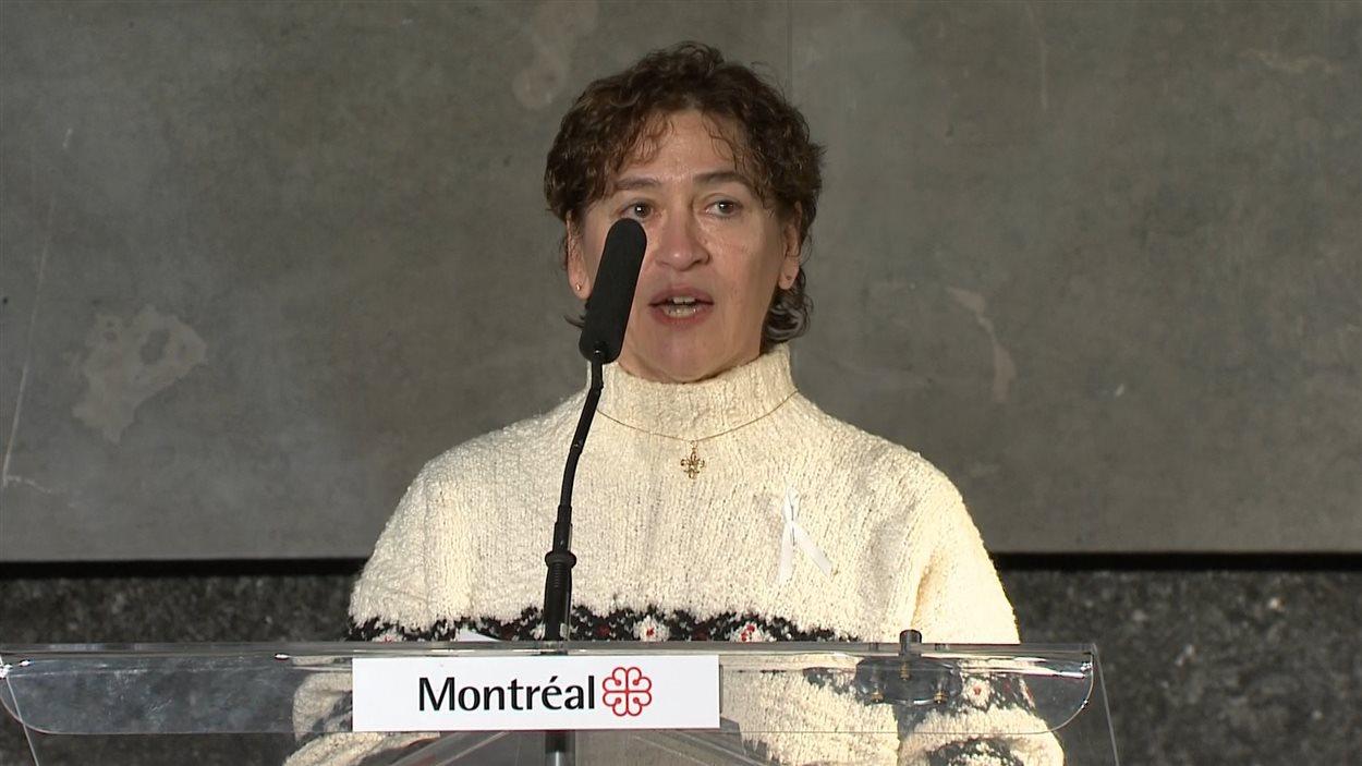 Sylvie Haviernick, du comité de commémoration des 25 ans du 6 décembre 1989, a livré un vibrant témoignage. Sa sœur Maud est tombée sous les balles de Marc Lépine.