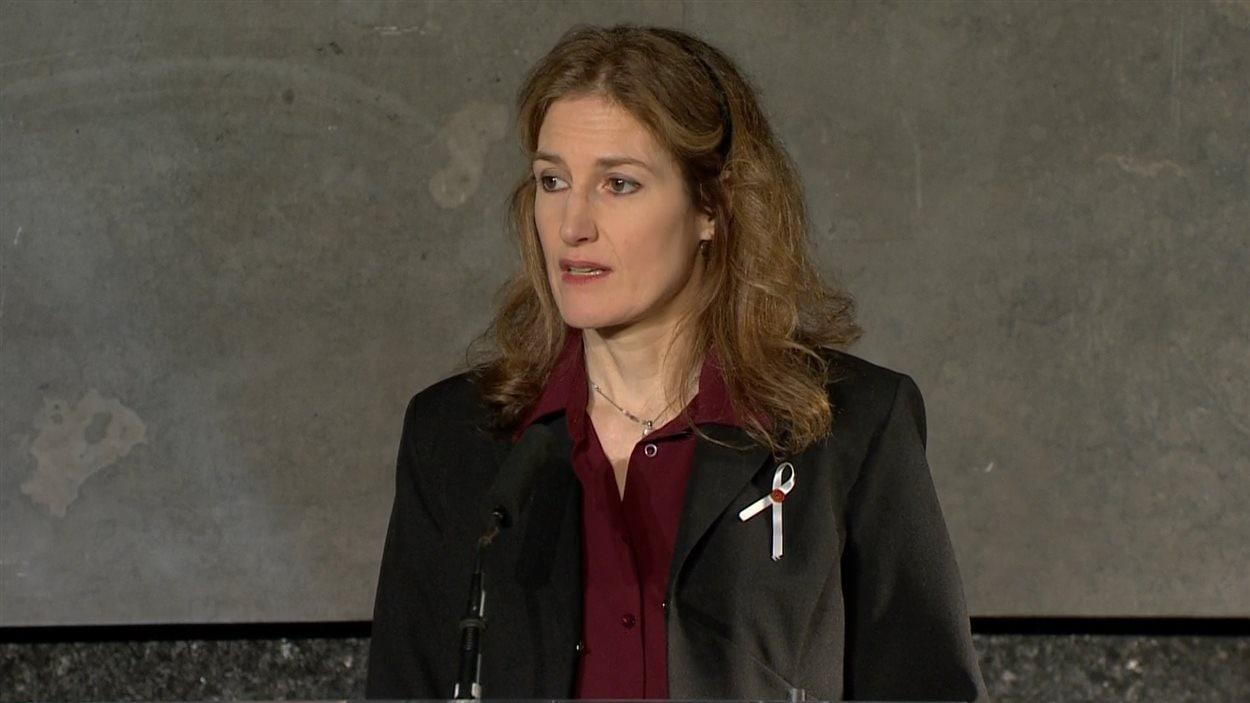 Heidi Rathjen, porte-parole de « Polysesouvient », a vécu les événements de Polytechnique de près. Elle a parlé de l'importance du contrôle des armes à feu.