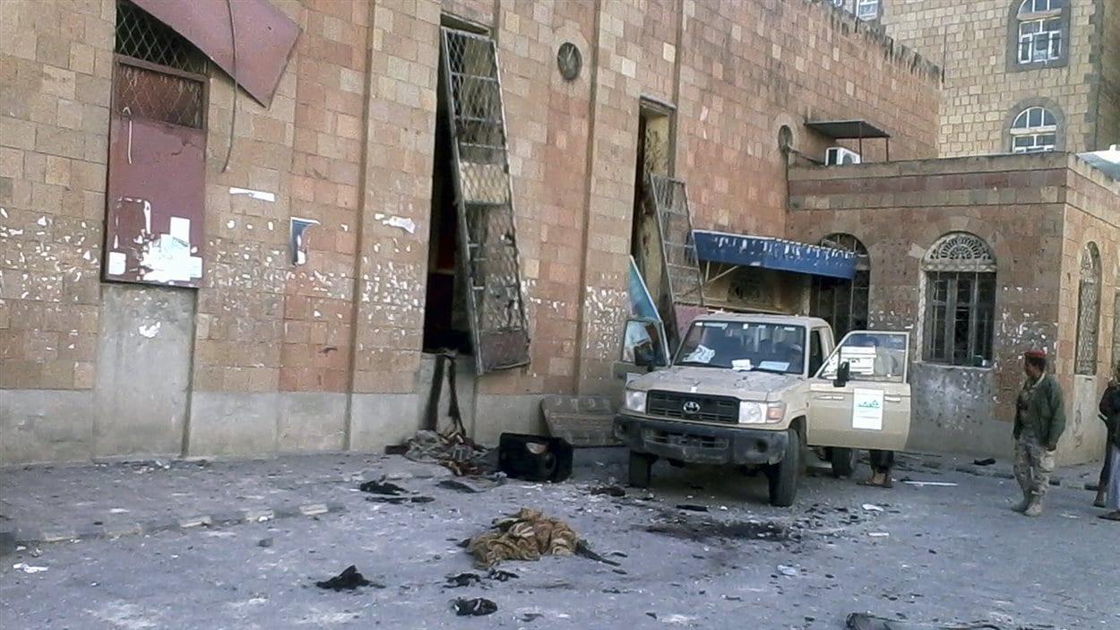 Un attentat suicide a fait 23 morts au Yemen.