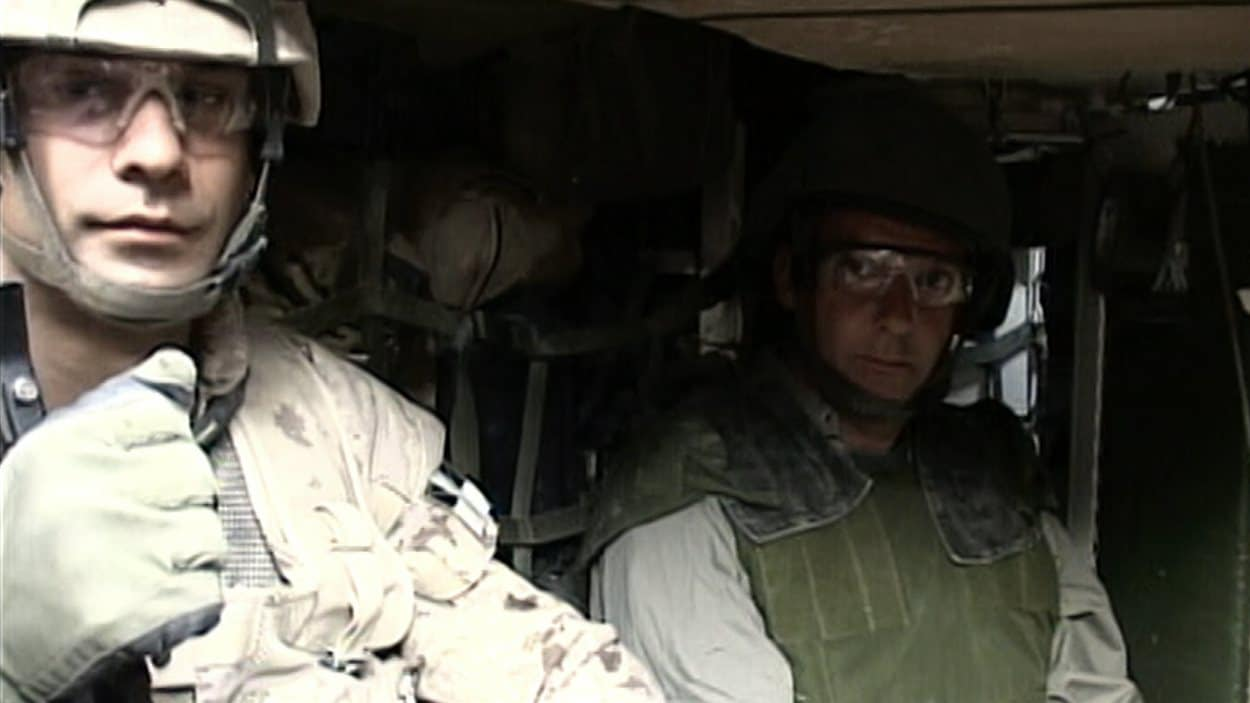Patrice Roy était chef de bureau en Afghanistan lorsque le blindé dans lequel lui et  le caméraman Charles Dubois se trouvaient a explosé en roulant sur une mine.