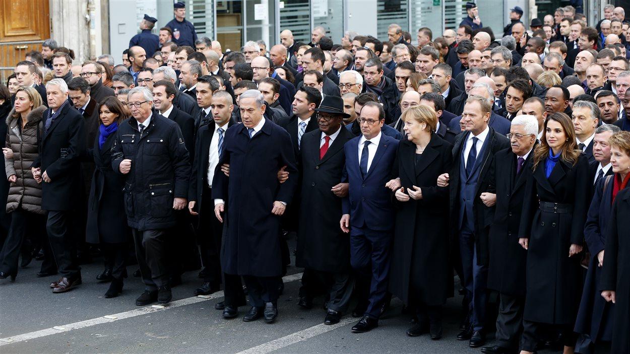 Élan de solidarité entre les leaders du monde contre le terrorisme et l'intégrisme lors de la marche républicaine à Paris