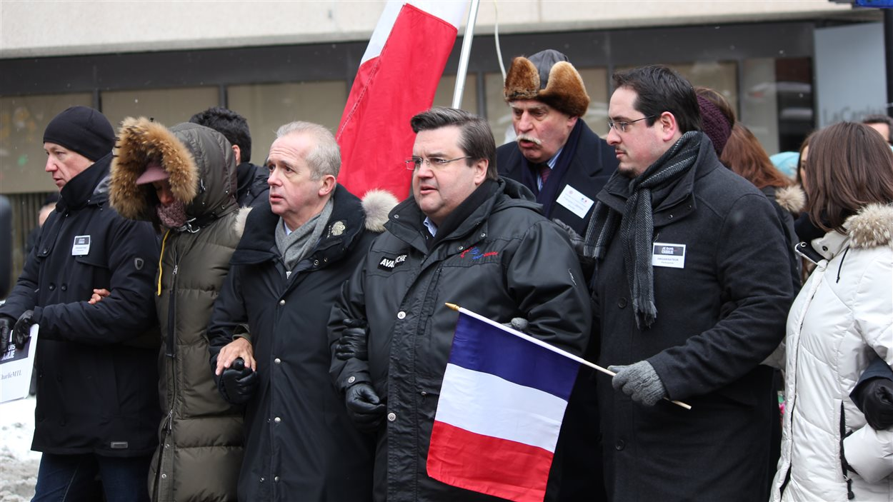 Le consul de la France au Québec Bruno Clerc et le maire de Montréal Denis Coderre ont pris part à la marche de solidarité.