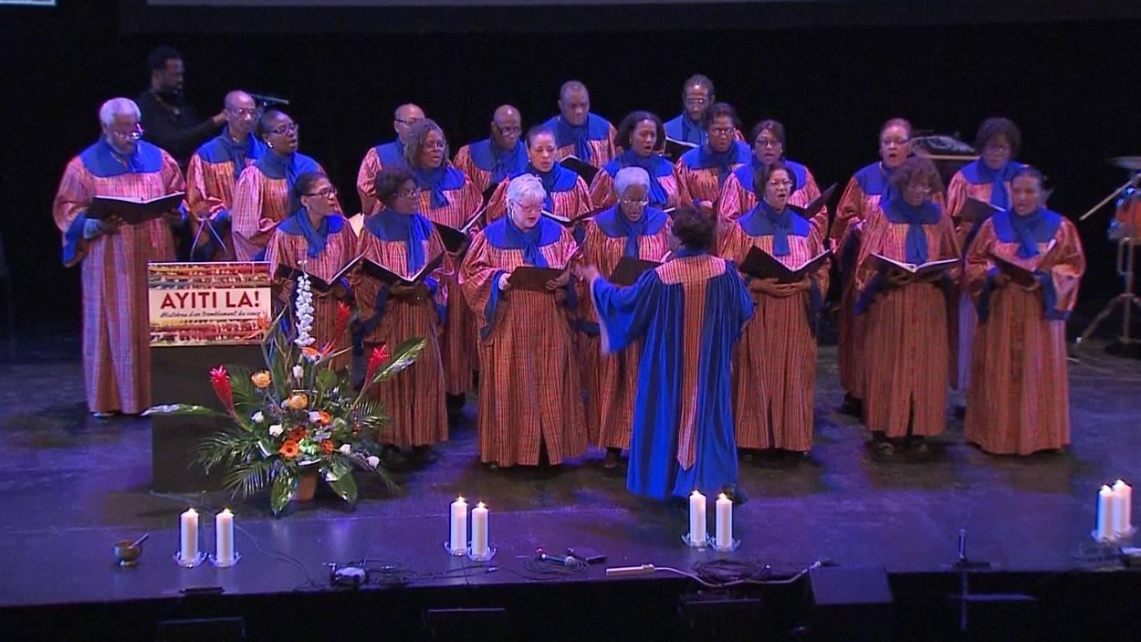 La chorale de la Perle à la cérémonie commémorative à la Tohu, le 12 janvier